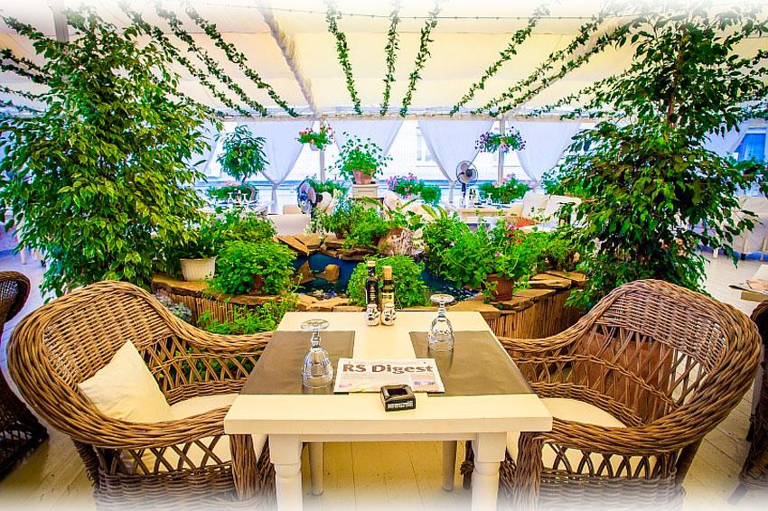 Список летних кафе с верандой в Москве 2015
