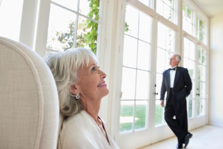 Что подарить на золотую свадьбу 50 лет
